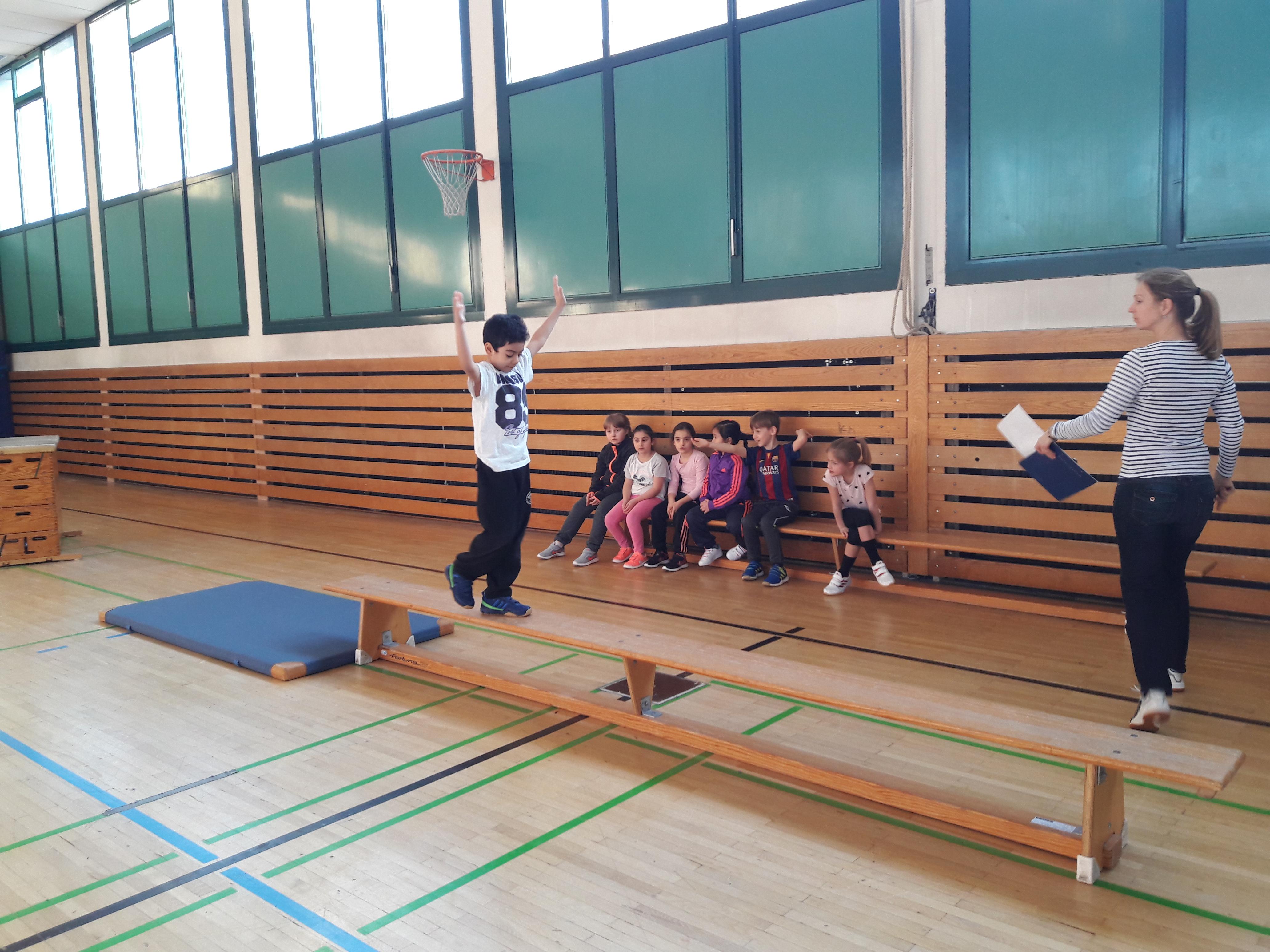 Bundesjugendspiele Turnen Saalbugschule Bad Vilbel